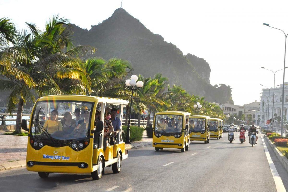 Công ty Tùng Lâm bàn giao 7 xe điện tới tỉnh Quảng Ninh