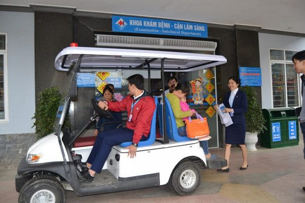 Vai trò của xe điện trong công tác khám chữa bệnh tại các bệnh viện lớn