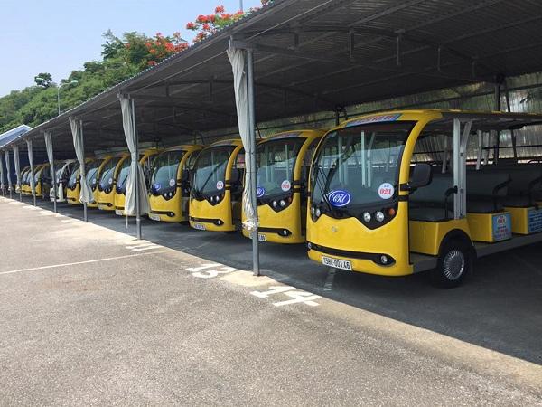 Vì sao xe điện chở khách tại các khu du lịch chưa được phép tham gia giao thông?