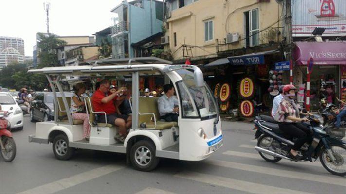 Hà Nội dự kiến mở rộng hoạt động của xe điện bốn bánh